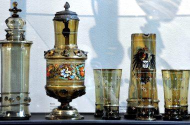 Glasmuseum Pokal und Kannen Krystallglasfabrik Theresienthal