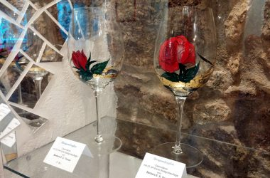 Burgunder Glas bemalt Thöner